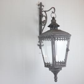 Hængende Lanterne med stativ 56 cm - antikgrå , hemmetshjarta.dk