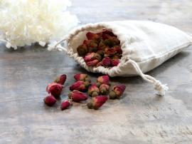 Fleur tørret Rose Krukkepourri 50 g. H5/L15,5/B12 cm i hør pose , hemmetshjarta.dk