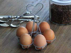 Uge 44 Æggeholder til 6 æg Jern H15 cm , hemmetshjarta.dk