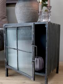 Skab m. rillet glaslåger H46,5/L40/B32,5 cm antique sort , hemmetshjarta.dk